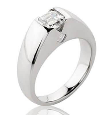 1CT DIAMOND + 2 ACCENT DIAMONDS IN SOLID PLATINUM