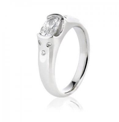 1CARAT ARGYLE DIAMOND + SOLID PLATINUM + ROUND BRILLIANT DIAMONDS